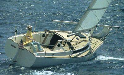 Freedom 25 - Sailing