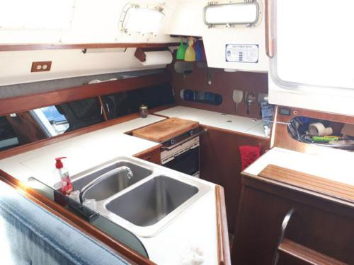 Hunter 34-Galley