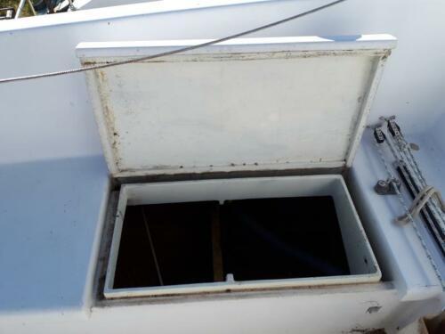 TB-26-BlueMoon StarboardHatch